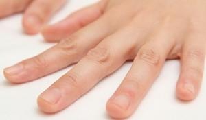 へバーデン結節の症状 第一関節(DIP関節)の痛み